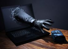 Chỉ trong vài ngày, gần 800 tỷ tiền ảo đã bốc hơi chỉ vì 1 gã hacker