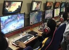Xuất hiện quán net đầu tiên tại Việt Nam sử dụng 2 màn hình một lúc
