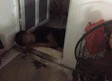 Khách say xỉn ngủ gục trong WC, chủ quán net tá hoả không biết làm sao