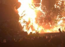 """Nghệ sĩ và khách mời bỏ chạy tán loạn khi sân khấu """"Kong: Skull Island"""" tại Sài Gòn bất ngờ bốc cháy"""