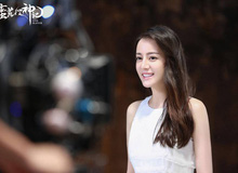 Địch Lệ Nhiệt Ba đẹp như nữ thần khi chụp ảnh quảng bá cho game online