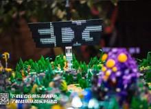 Ông lớn của LMHT Trung Quốc chơi trội, xây hẳn bản đồ Summoner's Rift bằng LEGO để tập luyện chiến thuật