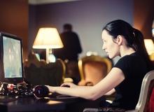 Nhật ký game thủ nữ kể việc một thân một mình đi sắm máy tính chơi game