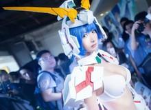 Cosplay Gundam cực gợi cảm và nóng bỏng dành cho fan hâm mộ
