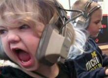 Đắng lòng cậu bé 7 tuổi viết tâm thư gửi bố mẹ xin phép được chơi game nhiều hơn