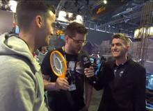Bó tay hai thanh niên đi đấu giải Battlegrounds thế giới, mang theo... vợt bắt muỗi thay chảo để vào top 1