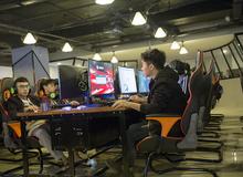 """Trải nghiệm """"test máy"""" Gaming X, phòng game full màn 144Hz, RAM 12GB trở lên"""