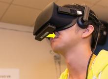 Nhật Bản vừa sáng chế ra loại kính thực tế ảo cho phép bạn ngửi được cả mùi máu trong game