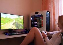 Choáng với đại gia mua máy tính 200 triệu về rồi cho bạn gái xinh đẹp ngồi chơi game