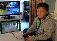 Không thể tin nổi có kẻ nhẫn tâm tới mức ăn trộm máy PS4 của trẻ em bị ung thư