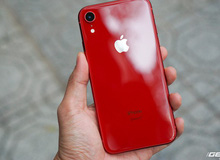 iPhone XR vừa về Việt Nam đã có khách mua giá 23,9 triệu, bước chân ra khỏi cửa hàng xong thì giá chỉ còn 20,9 triệu