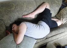 [Vui] Những tư thế ngủ bất chấp mọi hoàn cảnh của các thánh ngủ nướng