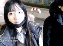 """Sốc: Cận cảnh nữ streamer Hàn Quốc xinh đẹp bị sàm sỡ, """"hái bưởi"""" ngay trên sóng trực tiếp"""