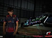 Chết ngất với bộ PC gaming siêu khủng siêu đẹp hình đại kiếm khổng lồ, to bằng cả người luôn