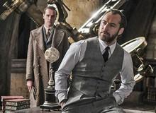 """HIệu trưởng Dumbledore Jude Law cực bảnh thả thính tung tóe ngay trailer """"Fantastic Beasts 2"""""""