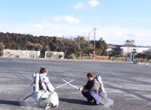 Hóa ra đây là cách samurai Nhật đấu kiếm giữa không trung mà không dùng dây cáp này