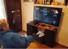 Cụ bà 82 tuổi trở thành gamer nổi tiếng sau khi được cháu trai chia sẻ câu chuyện của mình lên Internet