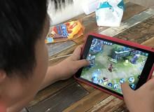 """Hàng loạt quán """"cafe smartphone"""" mọc lên ở Trung Quốc để... cho thuê điện thoại chơi game"""