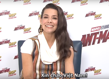 Tự hào Người Kiến đội nón do fan tự làm, Chiến Binh Ong rạng rỡ gửi lời chào đến khán giả Việt Nam