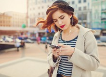 Bị phụ thuộc quá nhiều vào smartphone, bạn sẽ thông minh hơn hay... ngu đi?