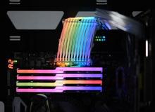 Cáp nguồn RGB siêu ấn tượng của Lian Li, giờ đây bộ máy không chỗ nào là không phát sáng cả
