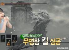 Nữ streamer chết 365 lần để giết Boss trong Dark Soul 3