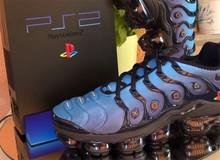 Thích mê với mẫu giày tự chế cực đỉnh của fan hâm mộ PlayStation số một nước Ý