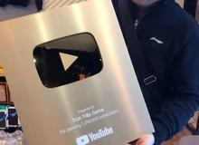 """Trên tay """"Nút vàng Youtube"""" cùng Dũng CT"""