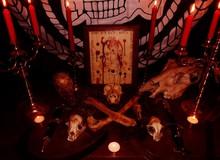 5 nguyên liệu luyện bùa ngải được làm từ cơ thể con người: Từ phép Voodoo cho đến Thiên Linh Cái
