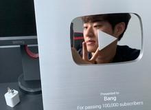 LMHT: Vừa chuyển nghề phóng viên, 'Ông Bang Vlog' đã hào hứng khoe Nút bạc vinh danh từ Youtube
