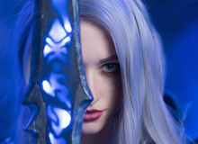 """[Cosplay] Đốt mắt với Arthas phiên bản nữ """"căng mọng"""""""