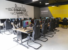 Đột nhập Energy Cyber Gaming Phùng Khoang: Chơi game đã có máy khủng, phía dưới còn có trà chanh bàn sự đời