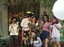 Chàng trai mua 25 chiếc iPhone X cầu hôn bạn gái, xong xuôi nàng đem tặng hết cho bạn bè