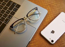 """Thử nghiệm thực tế """"kính chắn ánh sáng xanh"""" giúp game thủ bảo vệ đôi mắt hiệu quả"""