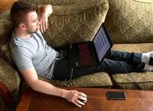 Thói quen dùng laptop tai hại có thể khiến cho nam game thủ bị hỏng 'của quý' dẫn tới vô sinh