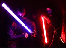 Đấu kiếm ánh sáng trong Star Wars đã trở thành một môn thể thao ngoài đời thực