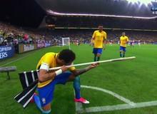 """Siêu sao Neymar """"khoe"""" kỹ năng bắn súng siêu hạng, một mình lật kèo giết 5 trong CSGO"""