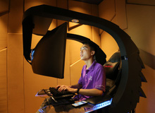 Cận cảnh chiếc ghế gaming trị giá trăm triệu của đại gia Hà Thành, trông như bê ra từ phim viễn tưởng