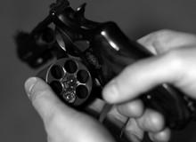 Đắng lòng nữ cảnh sát bị đồng nghiệp sát hại khi chơi trò chơi siêu mạo hiểm cò quay Nga