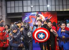 """Pewpew cầm rìu Thor, khiên Captain America cùng hàng loạt siêu anh hùng """"đại náo"""" buổi công chiếu sớm Captain Marvel"""