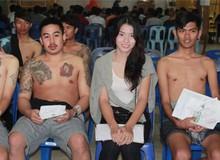 Loạt thiên thần chuyển giới Thái Lan lo lắng khi khám nghĩa vụ quân sự