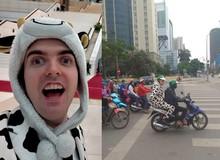 LMHT: Chết cười với hình ảnh Thánh Yi Cowsep vận nguyên bộ đồ bò sữa bắt Grab đi xem MSI 2019