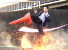 Mê Devil May Cry, anh nhân viên văn phòng quyết tâm bắt chước và có ngay 2,2 triệu views