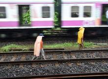 3 thanh niên Ấn Độ bị tàu hỏa cán chỉ vì mải mê... 'tự sướng'