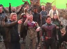 """Dàn diễn viên Avengers: Endgame hát mừng sinh nhật Iron Man tròn 11 tuổi, ấn tượng nhất là sự nhí nhảnh của Thor """"1 múi"""""""