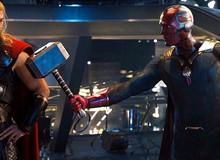 Fan Marvel tranh cãi dữ dội về việc Vision không xứng đáng nhấc búa thần Mjolnir bằng Captain America