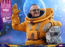 """Chiêm ngưỡng mẫu Hot Toys """"cực chất"""" của Stan Lee trong Guardians of the Galaxy Vol.2"""