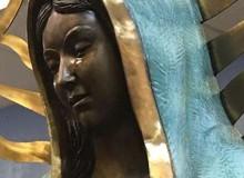 Bí ẩn về những bức tượng có thể khóc ra máu: Hiện tượng siêu nhiên hay trò lừa gạt?