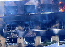 Vụ phóng hỏa xưởng phim hoạt hình là cuộc thảm sát gây thương vong lớn nhất Nhật Bản suốt 18 năm, nhưng lửa còn bén vào nghệ thuật và tình người