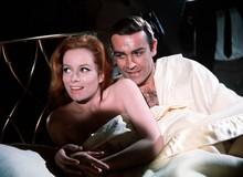 Ngạc nhiên không, James Bond đã ngủ với 46 và hôn 52 người phụ nữ chỉ trong... 20 tập phim đầu